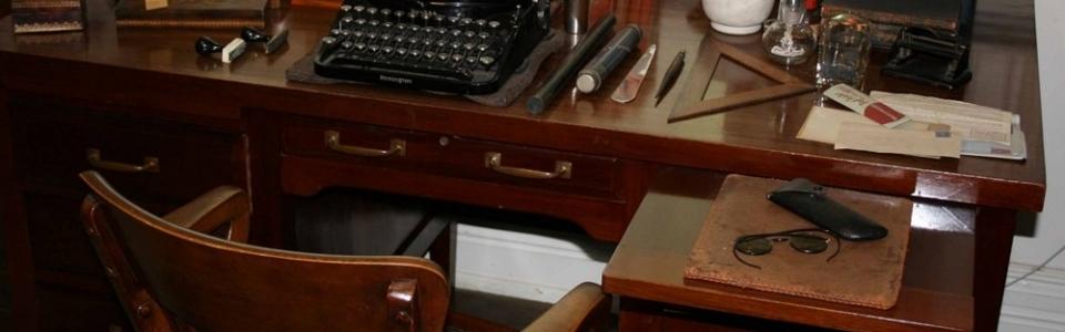 writers desk 2